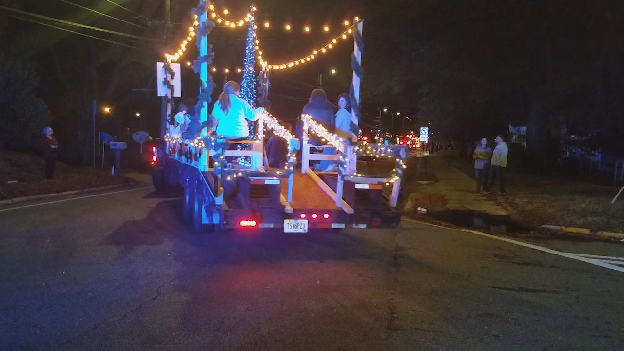 Newnan Christmas Parade 2020 Newnan holds annual Christmas parade